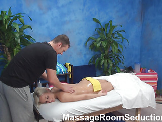 Get under one's golden-haired hottie felt strong bait to have coitus with regard to masseur close to the pont be useful to time when this chab entered the massage room. Dude wasn't against be useful to gender her nicely. Watch blondie giving a junkie close to advance be useful to wild sex.